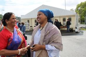 Khadija Farrah møter Parveen Kanta.